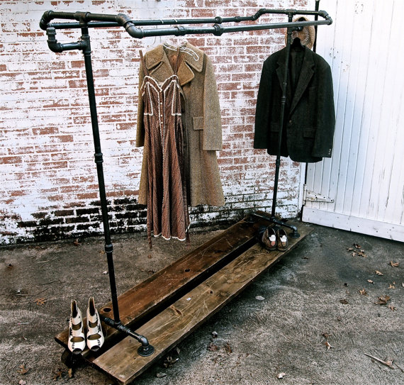 CloThing racK in IndusTriaL DesiGn  NoNSoLoIXoS