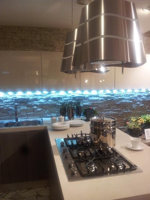 Sconto del 50 su Veneta Cucine TULIPANO  una cucina