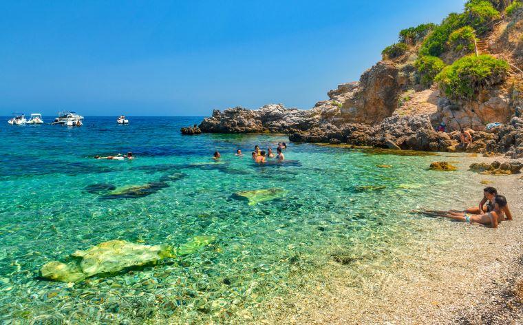 Sicilia, 41 siciliani su 100 amano le vacanze sull'Isola