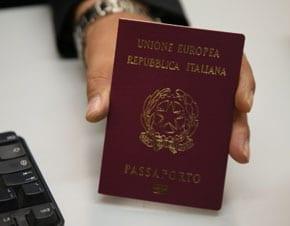 Cosa fare se si perde il passaporto all\'estero: ambasciata e documenti