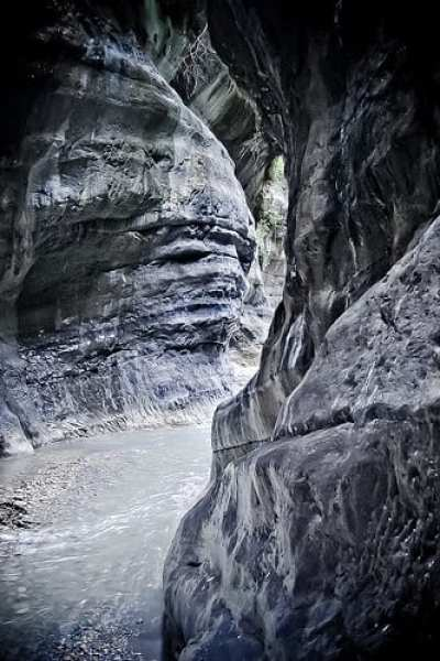 Aggrapparsi alle rocce o guadare le acque? (foto di Stephan Summerer)