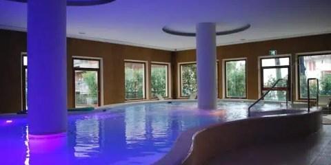 La piscina termale dell'Hotel Santa Chiara
