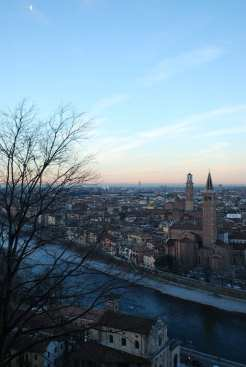 La vista sulla città da Castel San Pietro