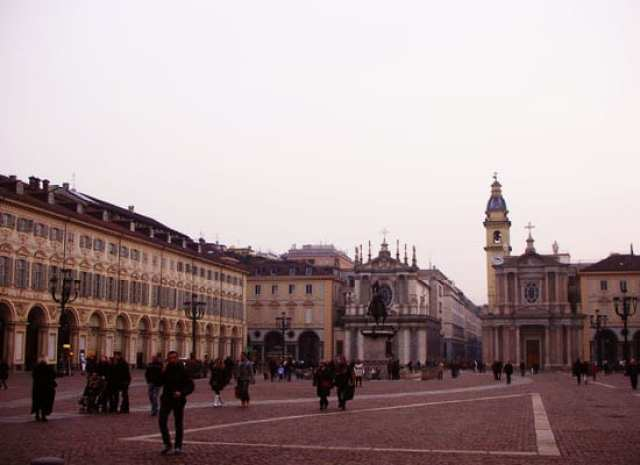torino-piazza-san-carlo