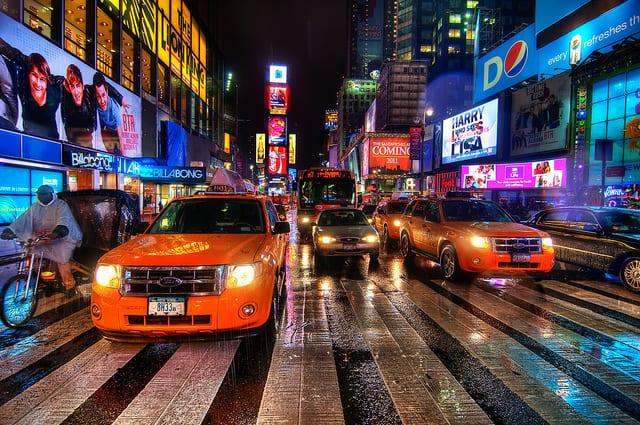 Times square sotto la pioggia (foto di Spreng Ben)