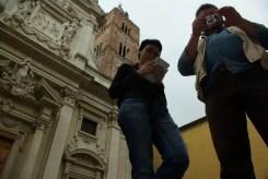 Arianna e Sergio in giro per il centro storico di Varazze