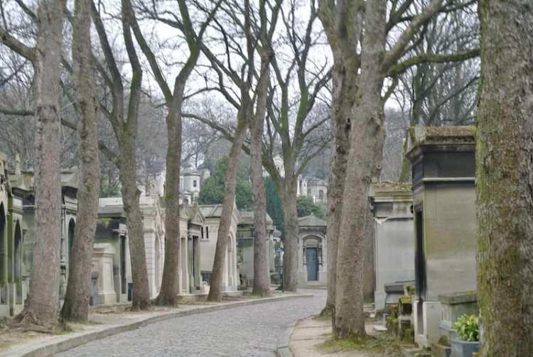 Passeggiando attraverso la magia del Père-Lachaise di Parigi