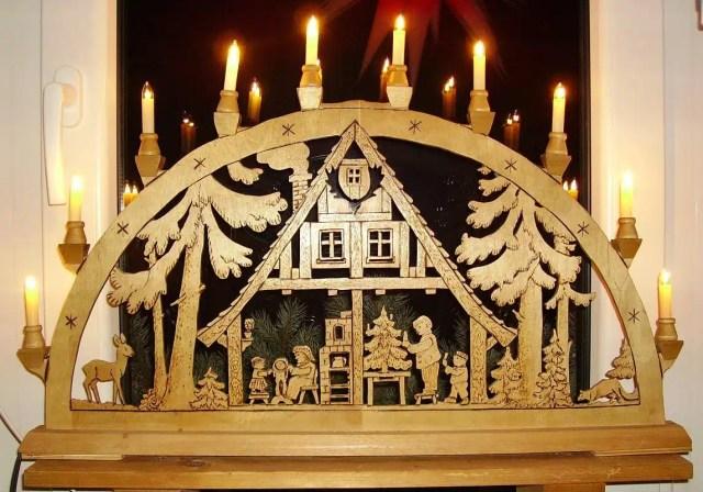 Un tradizionale Schwibbogen in legno - Germania