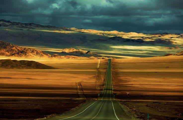 On the road (foto James Waddington)