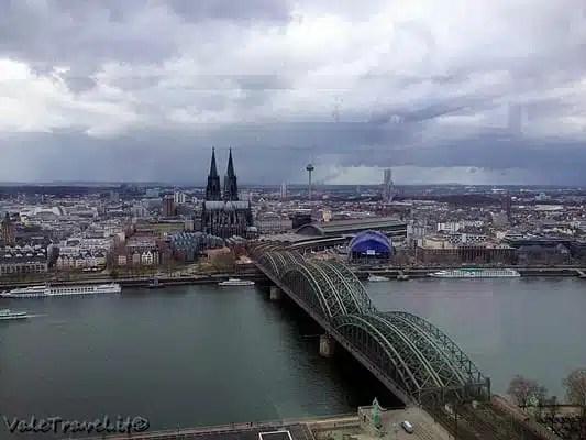 Duomo di Colonia dal Koeln Triangle - Germania