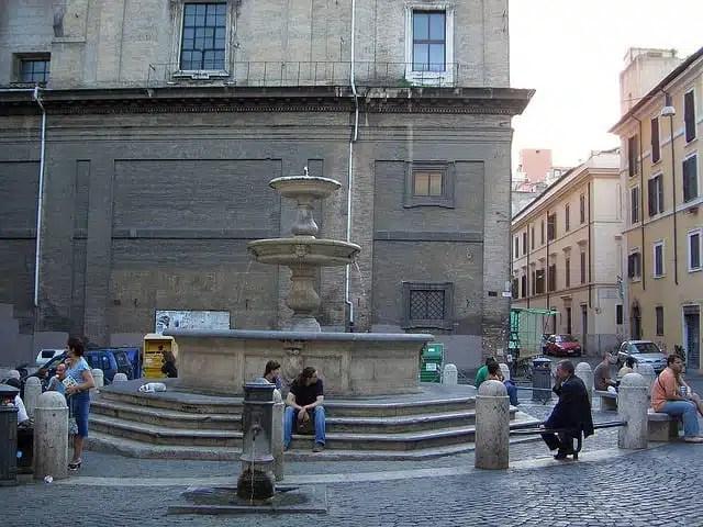 Fontana Madonna dei Monti - Roma, Italia