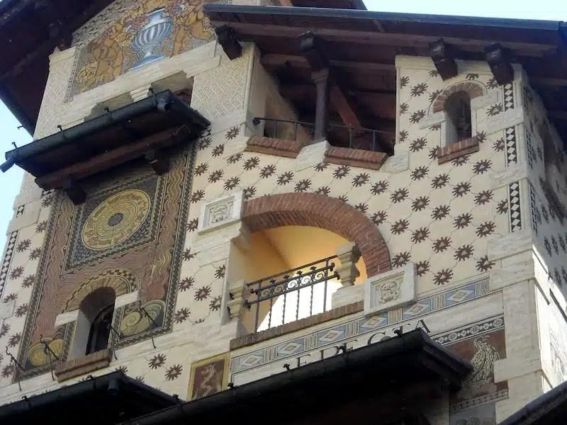 Quartiere copped il mondo delle favole si trova a roma for Interno della torretta vittoriana