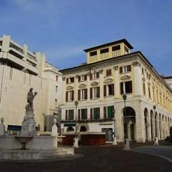 Piazza del Mercato - Brescia, Italia
