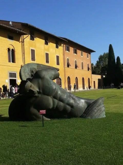 "Gli ""Angeli"" di Igor Mitoraj - Pisa, Italia"