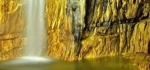 Abruzzo: cosa visitare e dove soggiornare_le grotte di Stiffe