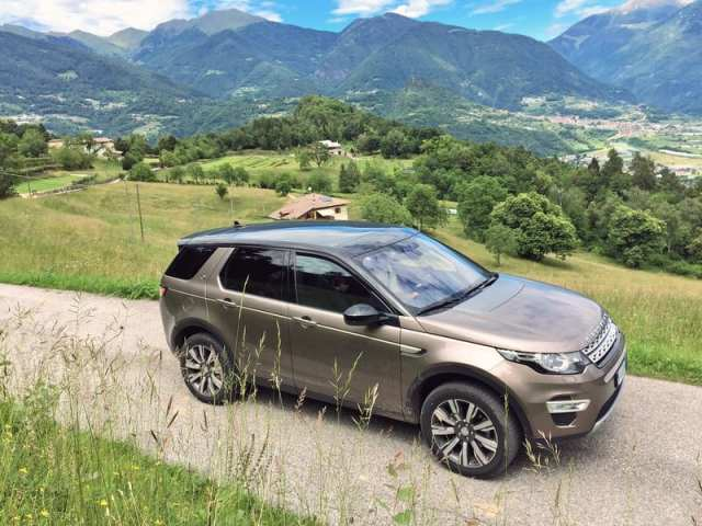Land Rover Discovery Sport Family 6
