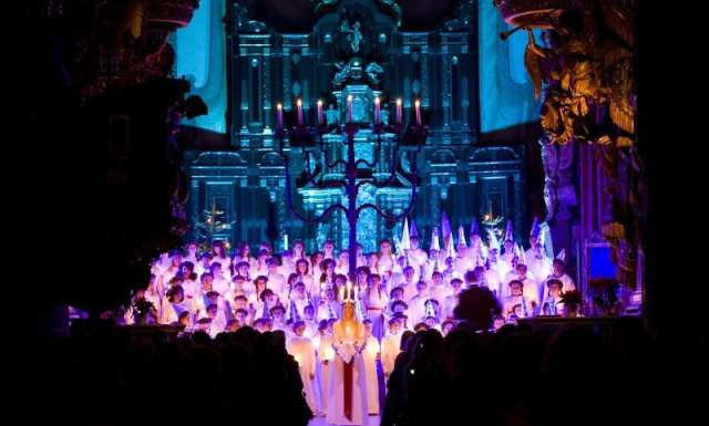 lucia_celebration_in_church_1_photo_henrik_trygg_high-res