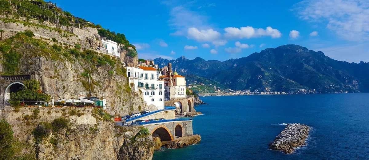Vacanze sulla Costiera Amalfitana spendendo poco -