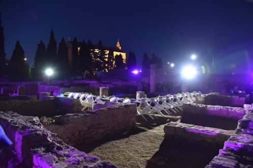 Cena romana tra le rovine di Pollentia