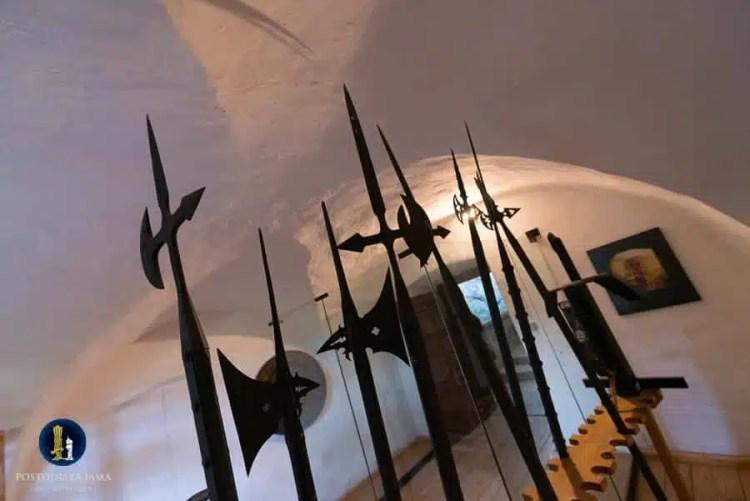 L'armeria nel Castello di Predjama