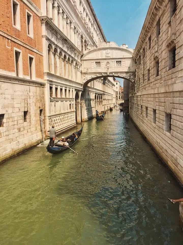 cosa vedere a Venezia in un giorno-ponte-dei-sospiri