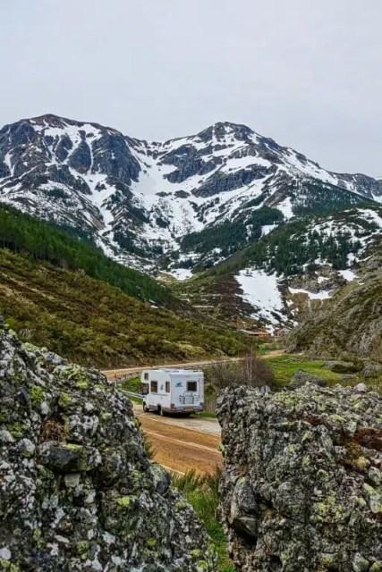 Camper in montagna