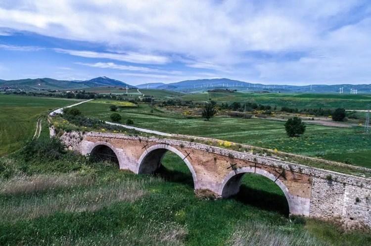 ponte romano in Puglia