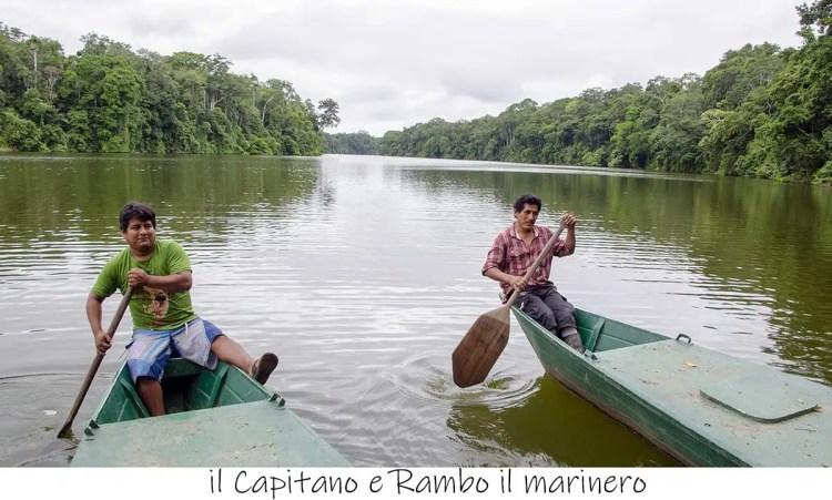 in barca al Sachavaca Camp, Parque del Manu, Perù