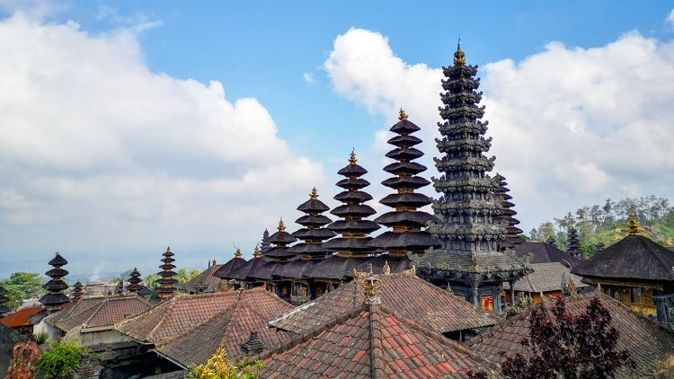 Pura Besakih tempio