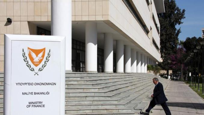 Με τις συντεχνίες των ημικρατικών οργανισμών συναντάται αύριο ο Υπουργός Οικονομικών
