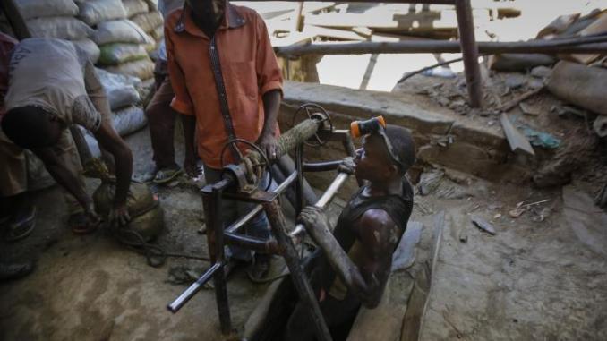Σε εξέλιξη βρίσκεται επιχείρηση διάσωσης ανθρακωρύχων
