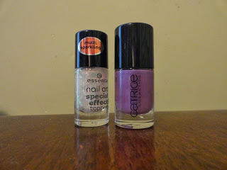 Clothes & Dreams: NOTD: Sparkling lilac: nail polish used Essence nail art special effect topper - Catrice Lucky in Lilac