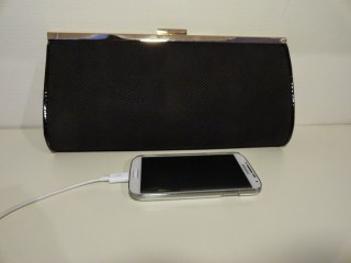 Clothes & Dreams: Shoplog: Forever21, Kruidvat and New Look: New Look Black Frame Clutch Bag phone for scale