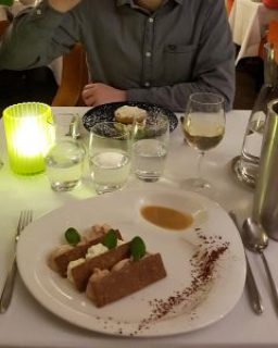 Clothes & Dreams: Why we loved visiting Normandy: Having dinner at Restaurant Le Saint Pierre at Mézidon-Canon