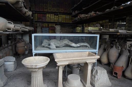 ruines de pompéi depuis naples