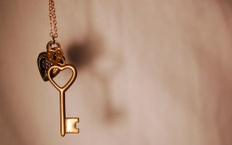 Key-love-31501490-1440-900