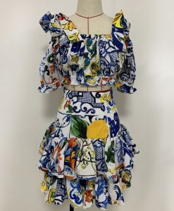 Produktfoto Sommerkleid 2-teilig von vorne auf Mannequin