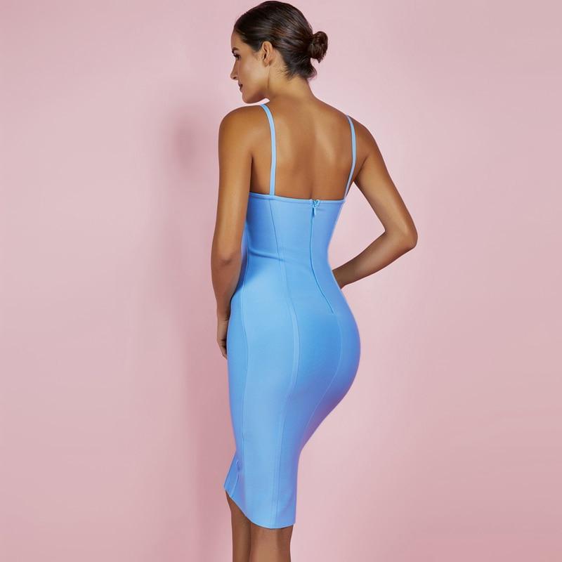 Modelbild Kleid blau Rückenansicht