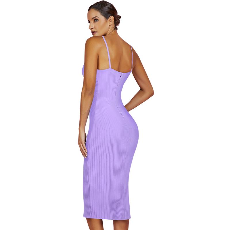 Produktbild Model trägt Trägerkleid lila