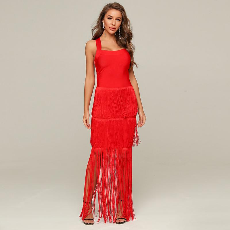 Modelbild langes rotes Kleid frontal