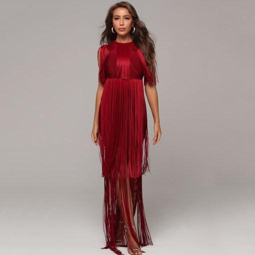 Modelbild Fransenkleid rot von vorne