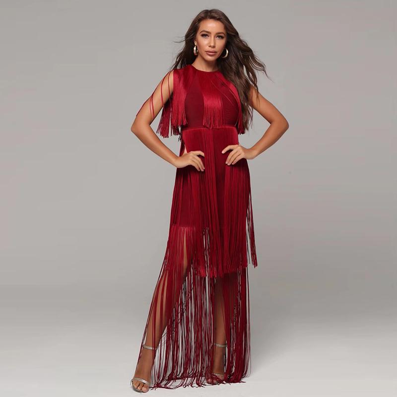 Modelbild Fransenkleid rot von hinten