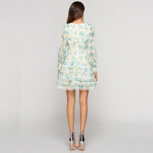 Modelbild Sommerkleid Blumen von hinten