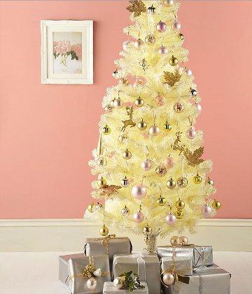white-artificial-christmas-tree