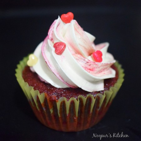 eggless red velvet cupcakes 1