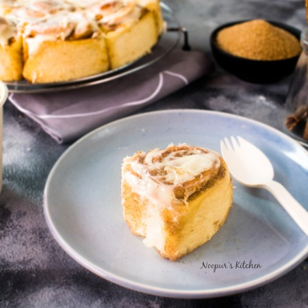 eggless cinnamon rolls cream cheese glaze