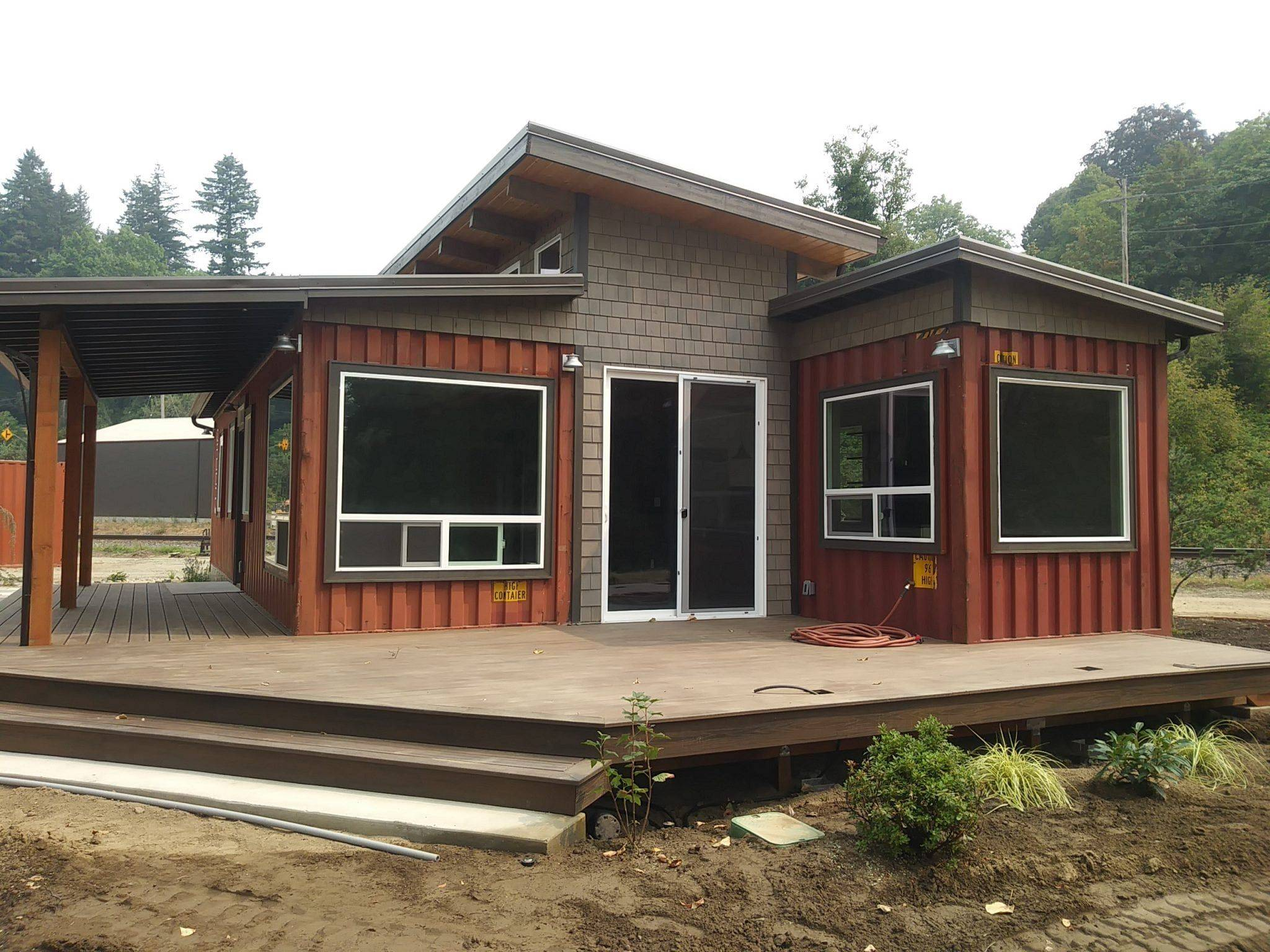 Shipping Containers Homes Awesome De Lux Container Home