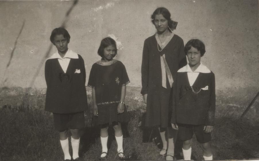 Vilayat, Khairunissa, Noor, and Hidayat. 1928