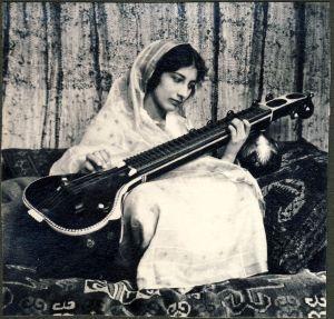 Noor Inayat Khan, 1937, The Hague, The Netherlands