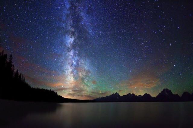 Landschappen met een prachtige sterrenhemel  noowznl